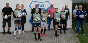 TuS und GWS freuen sich über Ball-Spende der CDU