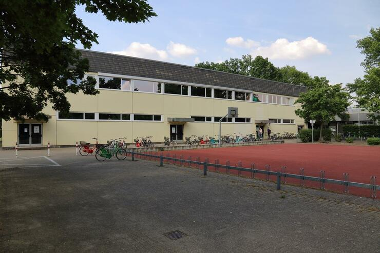 Dreifach-Sporthalle