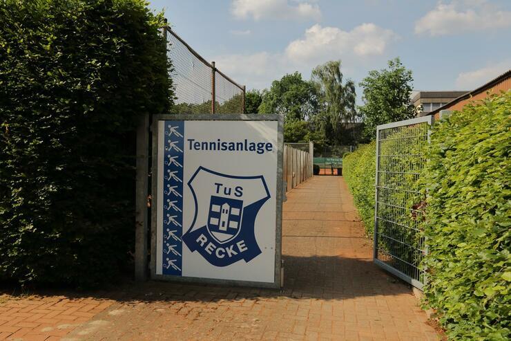 Eingang zur Tennisanlage