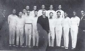 Turner und Vorstandsmitglieder im Gründungsjahr 1927